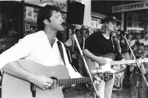 Troy Cassar-Daley and Keith Urban busking on Peel St for charity... I was there and about 15. Photo: Northern Daily Leader